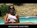 Brazzers- Indian GF Priya Rai is fucked hard by the pool